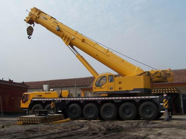 九龙坡200吨吊车出租