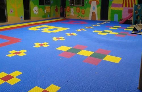 重庆幼儿园悬浮拼装地板