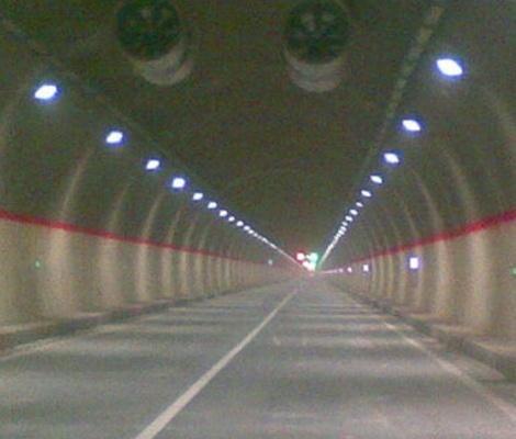 隧道防火涂料处理