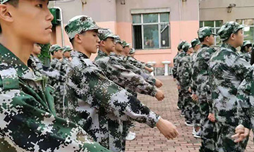 走读式少年军官成长营