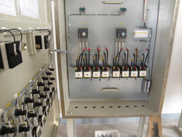 数显温度控制箱