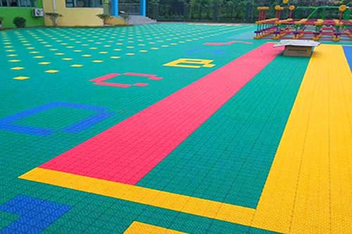 悬浮式拼装地板厂家
