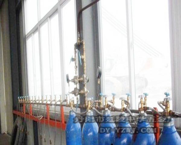 上海医用车间集中供气龙门架式双侧氧气汇流排