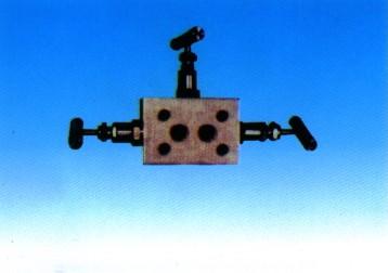 SF-2型三阀组