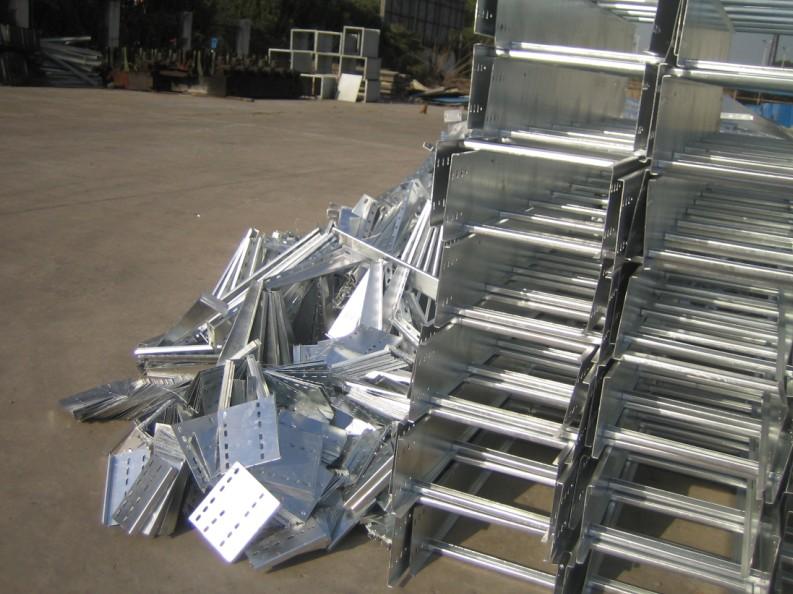 梯级式桥架及桥架附件