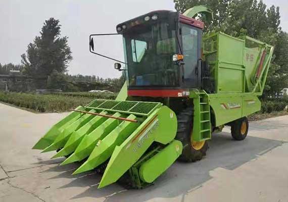 玉米秸秆青贮收割机