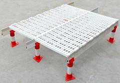 【组图】复合材料漏粪板对我们有利的地方有哪些 漏粪板的特点是什么