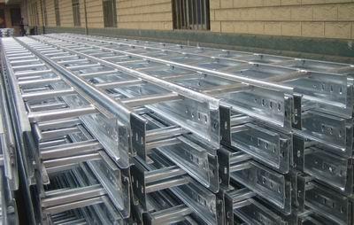 耐腐蚀性梯级式铝合金桥架