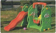 幼儿园塑料滑梯