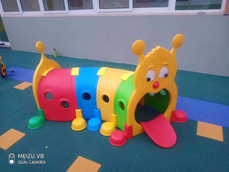 幼儿园攀爬玩具
