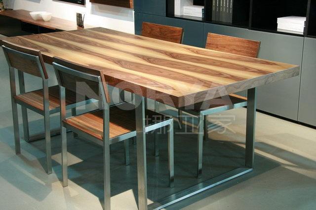 挪亚家餐桌椅