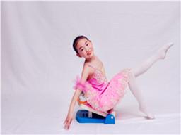 秦皇岛舞蹈学校-国家专利舞蹈训练神器只在艺翔艺校