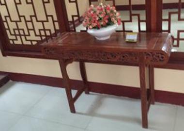 鲁九红贡桌